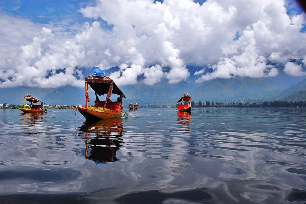 Shikara, Dal Lake, India Boat Adventures, Water experiences india