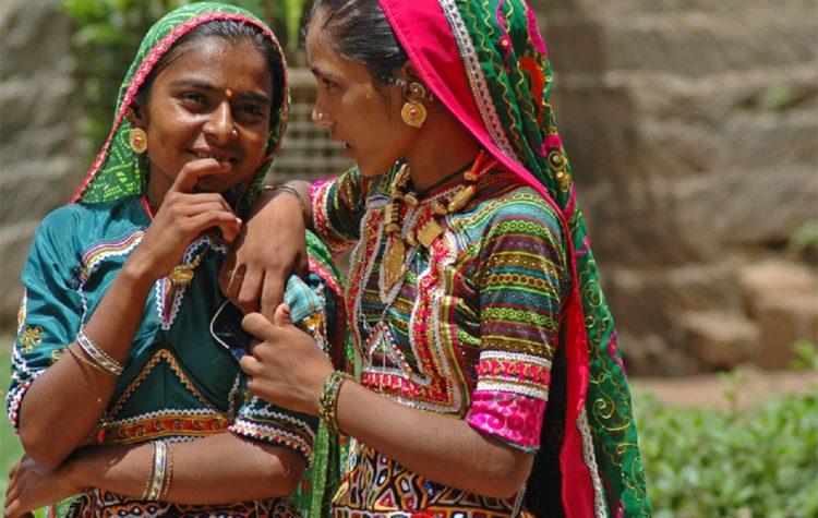 Gujarat, Textiles, Crafting in Gujarat, Gujarat Arts and Crafts,
